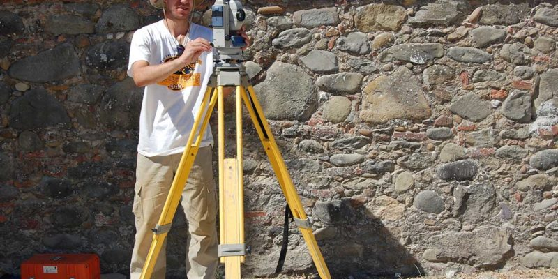 Taking coordinates with a total station